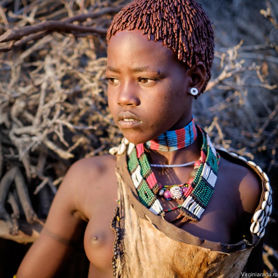 Dintre toate triburile vazute in aceste parti ale lumii, femeile din Hamar mi s-au parut cele mai dragute
